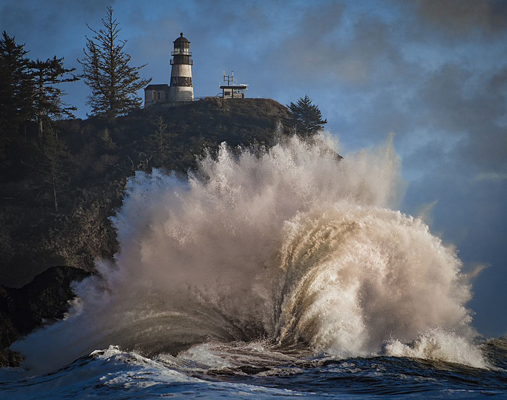 """Cape Disappointment Wave"" - Copyright Karen McClymonds"